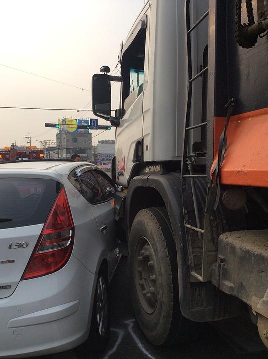Some Advice on Driving Safe Around Semi-Trucks