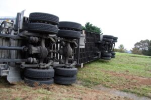 Utah County, UT – Semi-Truck Accident Involving Mustang Leads to Injuries on State Route 73